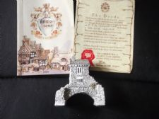 COLLECTABLE LILLIPUT LANE COTTAGE WITH ORIGINAL DEED & BOOKLET BRIDGE HOUSE